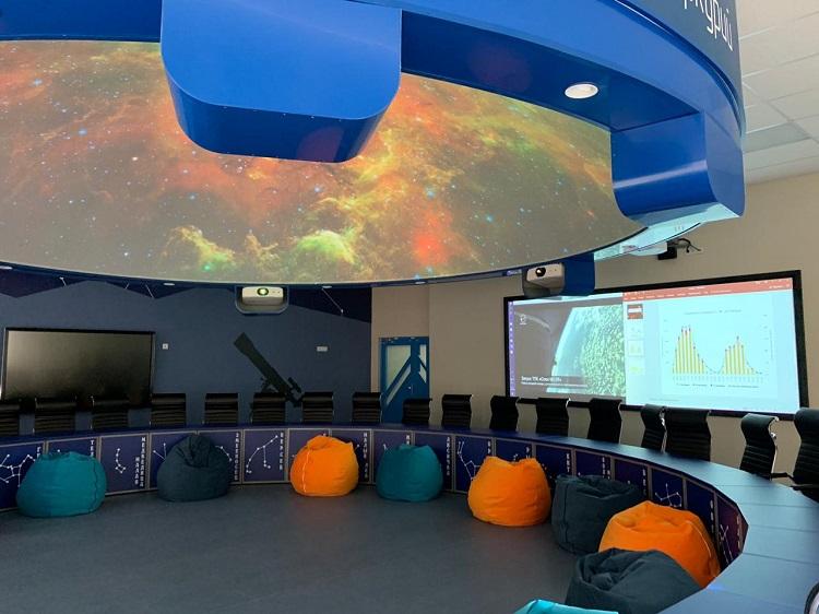 777-astronomy-classroom